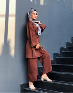 ways to wear wide leg trousers with hijab