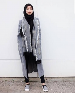classy ways to wear winter coats with hijab