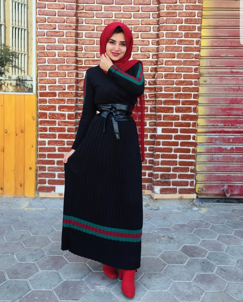 How To Wear Maxi Dresses In The Winter
