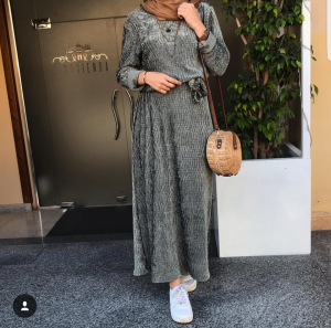 modest maxi dresses with long sleeves