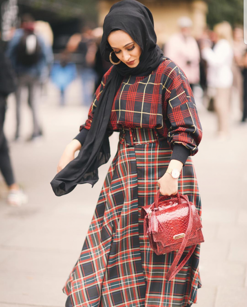 Stylish Ways To Wear Check Prints With Hijab