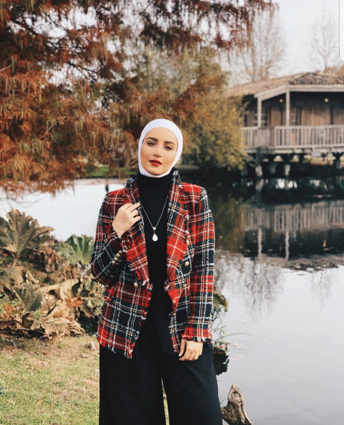 6 Stylish Ways To Wear Check Prints With Hijab