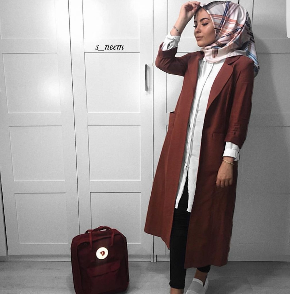 Casual And Simple Hijabi Fashion For Winter