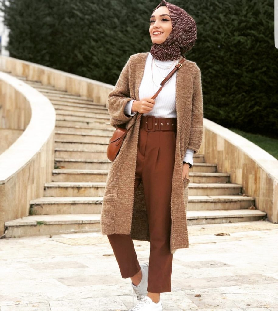 Casual And Simple Hijab Fashion For Winter