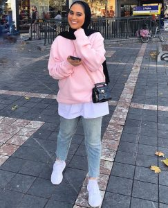 Casual and comfy college outfit ideas with hijab
