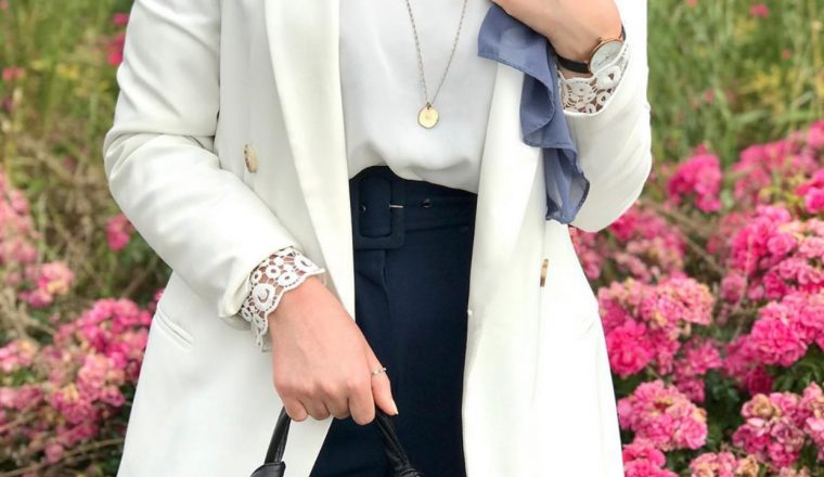 How To Wear Long Necklaces With Casual Outfit