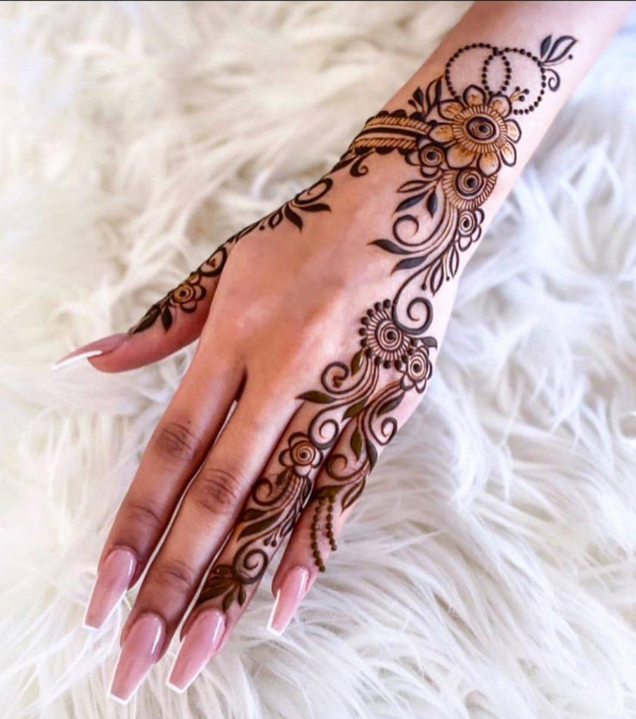 Henna pattern on hand